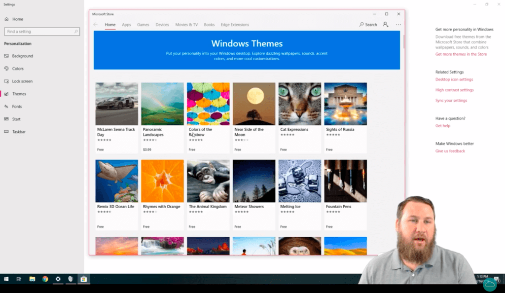 HelpCloud YouTuber on screen explaining how to change the theme's accent color with Windows 10